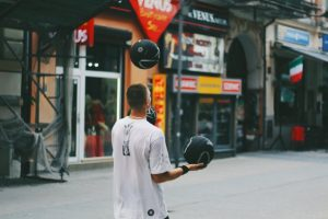 Freestyle basketballer